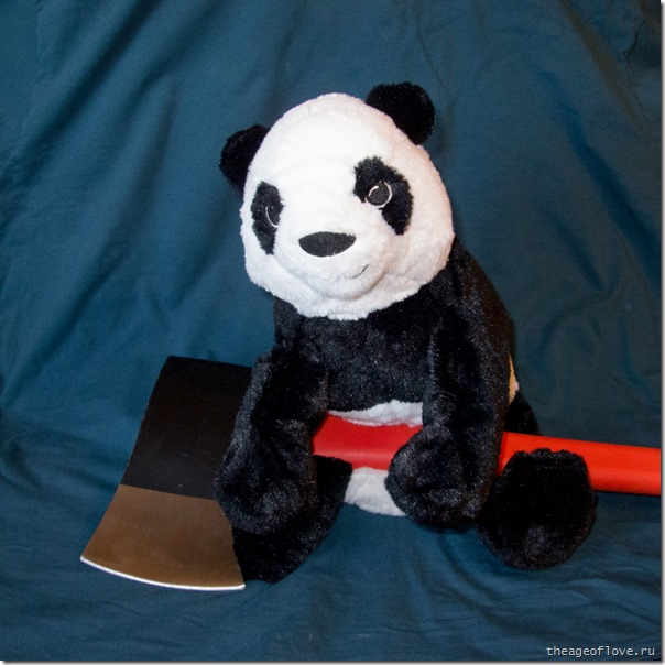 Добрая панда с топором