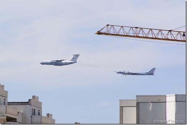 Ту-95 гонится за заправщиком Ил-78