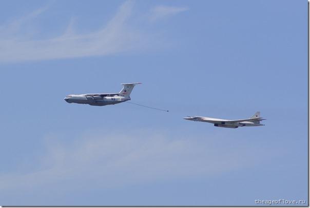 Ту-160 гонится за заправщиком Ил-78